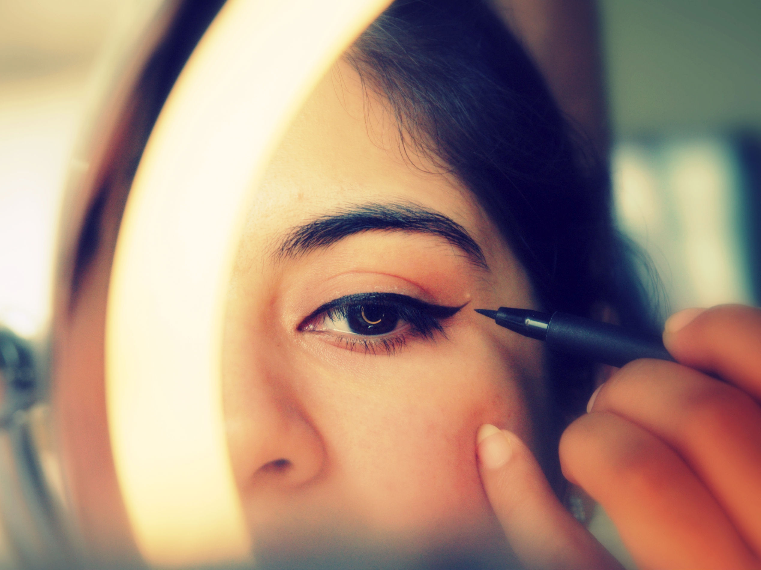Tips and Tricks of Under Eye Makeup